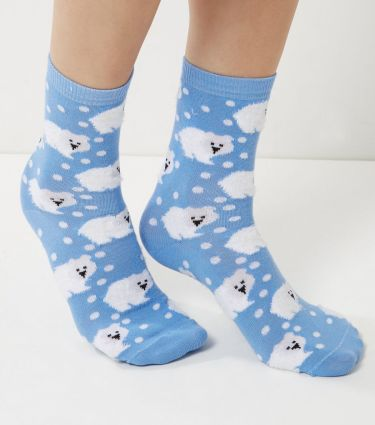 light-blue-fluffy-polar-bear-print-socks.jpeg