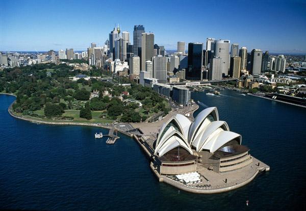sydney_opera_house_harbor_skyline_australia_photo_robert_wallace.jpg